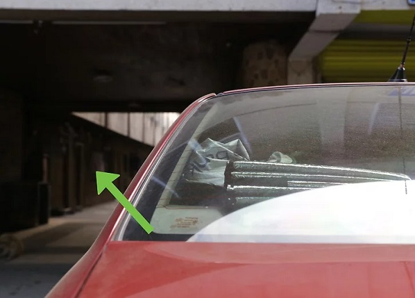 رفع چربی شیشه ماشین